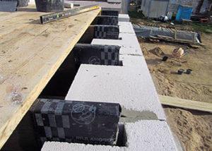 монтаж балок деревянного перекрытия