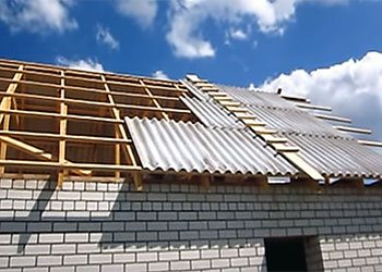 накрытие крыши шифером своими руками