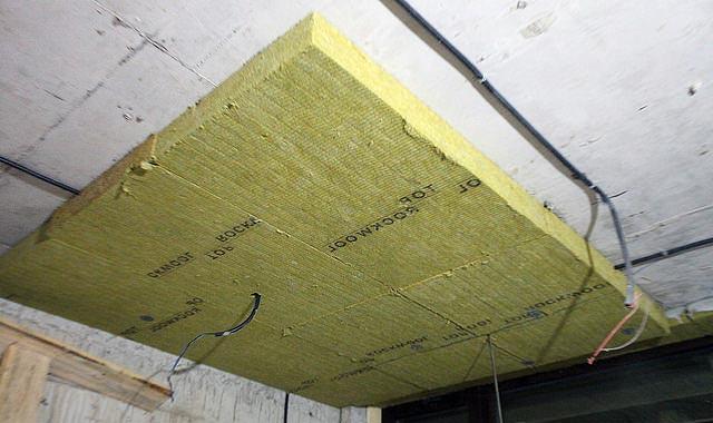 Звукоизоляция потолка минватой