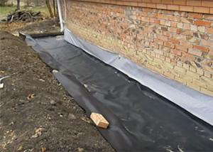 гидроизоляция отмостки из тротуарной плитки